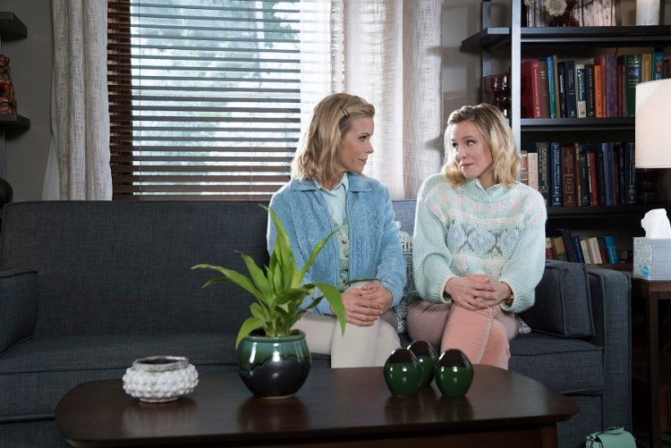 Cheryl Hines and Kristen Bell in A BAD MOMS CHRISTMAS