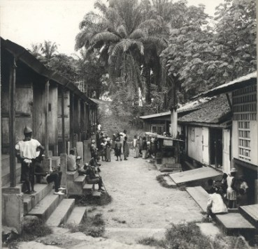 Reconstrucción del Hospital de Lambaréné - Gabón. ©Archives Centrales Albert Schweitzer Gunsbach
