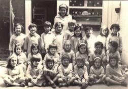 Primer grupo de alumnos de la Institución Educativa Dr. Alberto Schweitzer - 1971