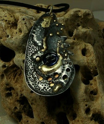 pendant-stainless-steel-brass-fused-meteorite-campo-del-cielo-epoxy-pigment-2