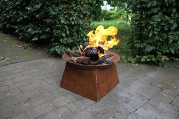 Feuerschale Als Offene Feuerstelle Im Rustikalen Look Von Esschert