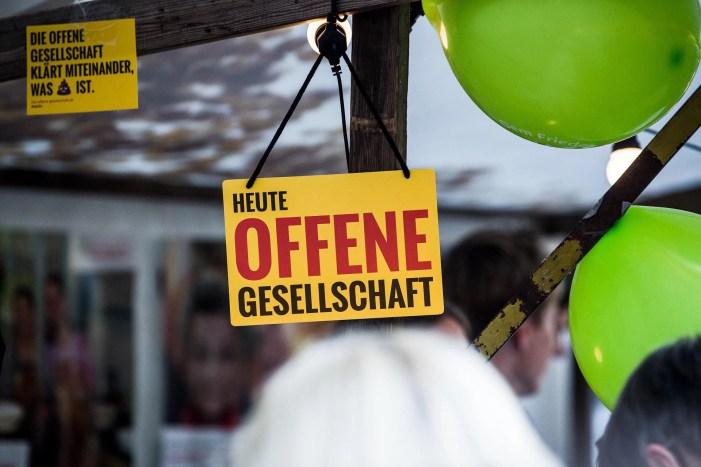 Offene Gesellschaft startet Städtetour in Schwerin