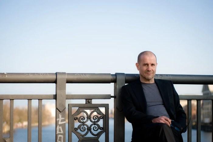 Schwerin: Stephan Krawczyk tritt in der Paulskirche auf