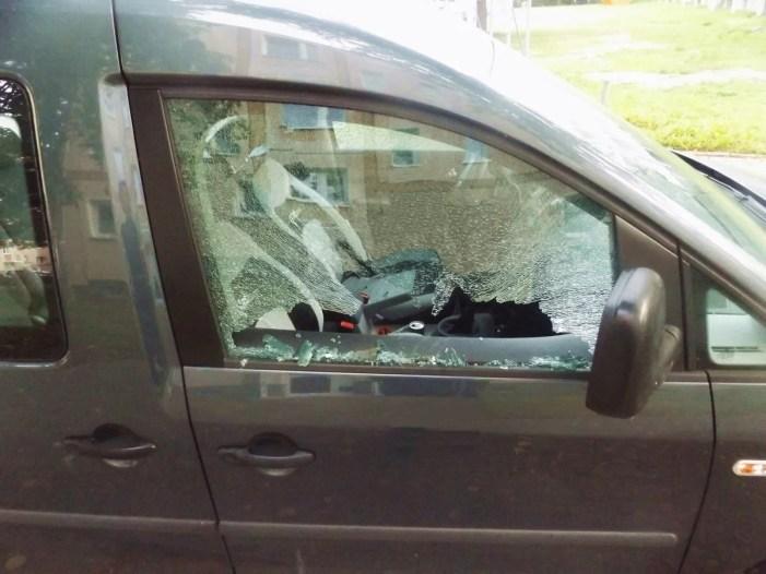 Schwerin: Schon wieder PKW-Scheiben eingeschlagen