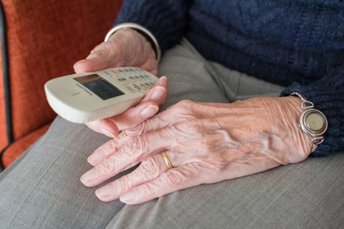 Schwerin: Seniorenbeirat bietet telefonische Sprechstunde