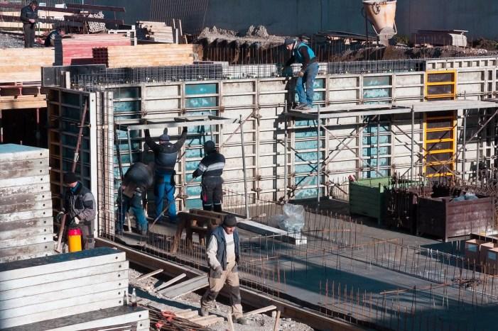 Schwerin: Strikte Kontrollen in Baugebieten gefordert