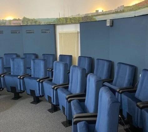 Schwerin: Neue Sessel für das Planetarium