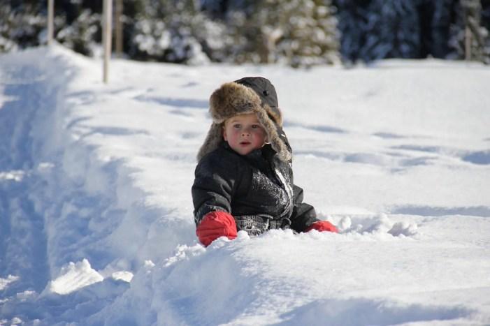 Baby Overall, Strickmütze und Co. – die Top 5 Winterkleidung für Babys