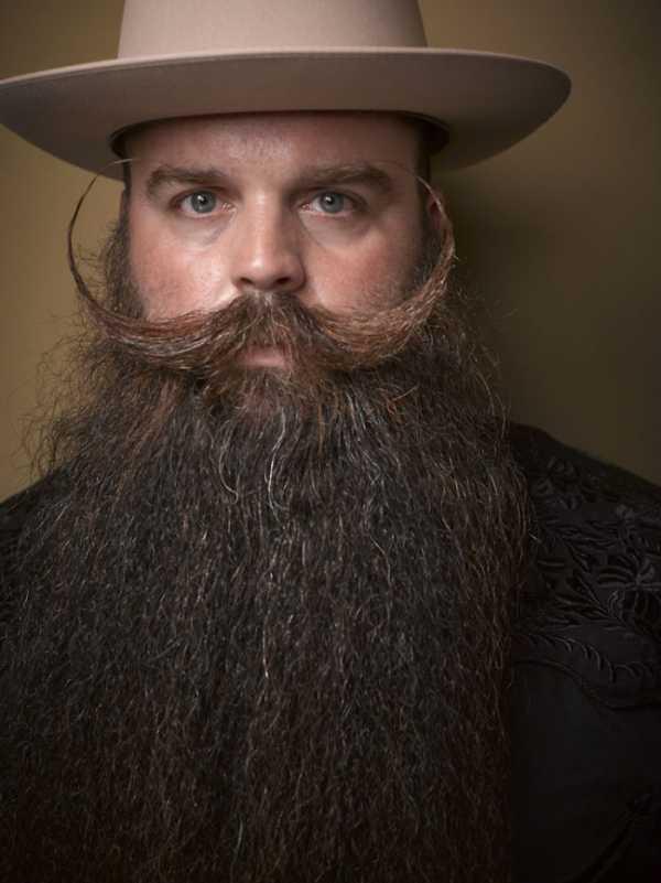 Фото бородатый мужчина – Ой!