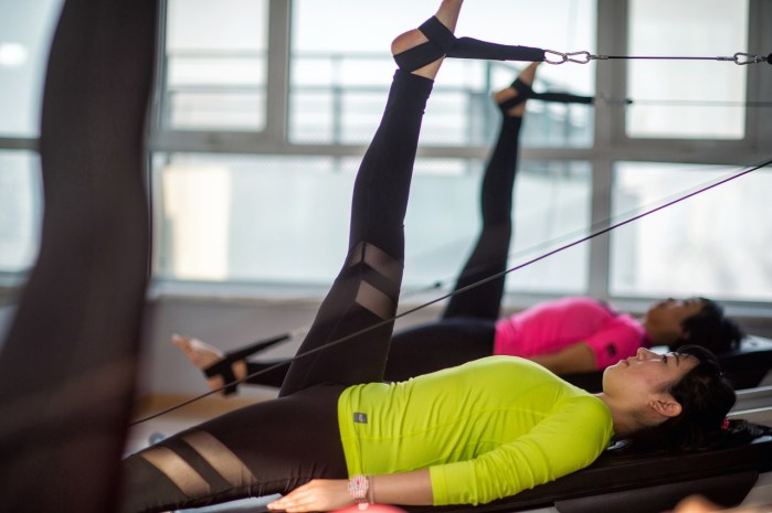 You don't need to go to the Pilates studio to receive the benefits of the exercise. Pilates can be practiced right at your desk.