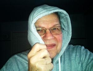 Man geht mit den Trends - Hoodie und Selfie, zumindest der Hoodie beherrscht die Journalismusdebatte.