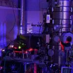 Laser controlled electron microscopy