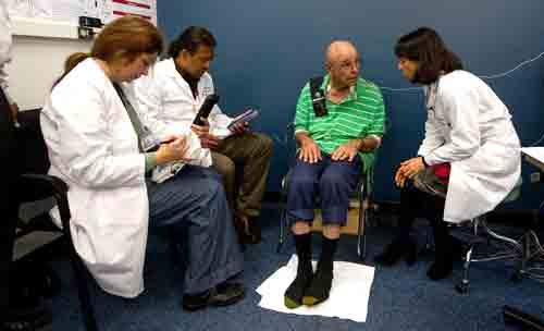 2nd-gen brain implant tames Parkinson's, records brain data