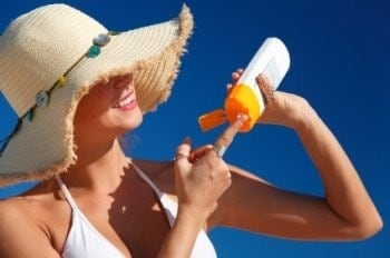 Beauty Not Disease Motivates Teens to Wear Sunscreen