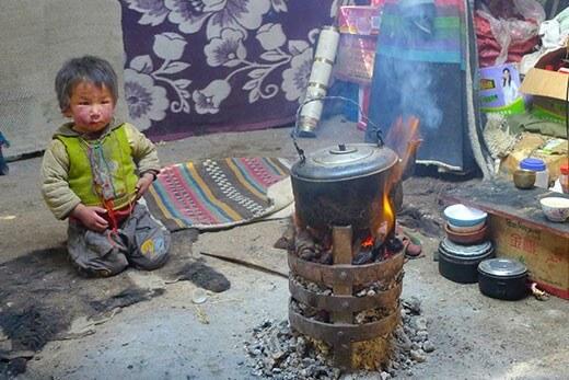 Yak dung burning pollutes indoor air of Tibetan households