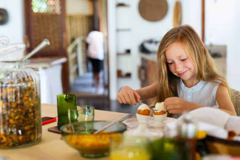 Can egg consumption improve bone strength in children?
