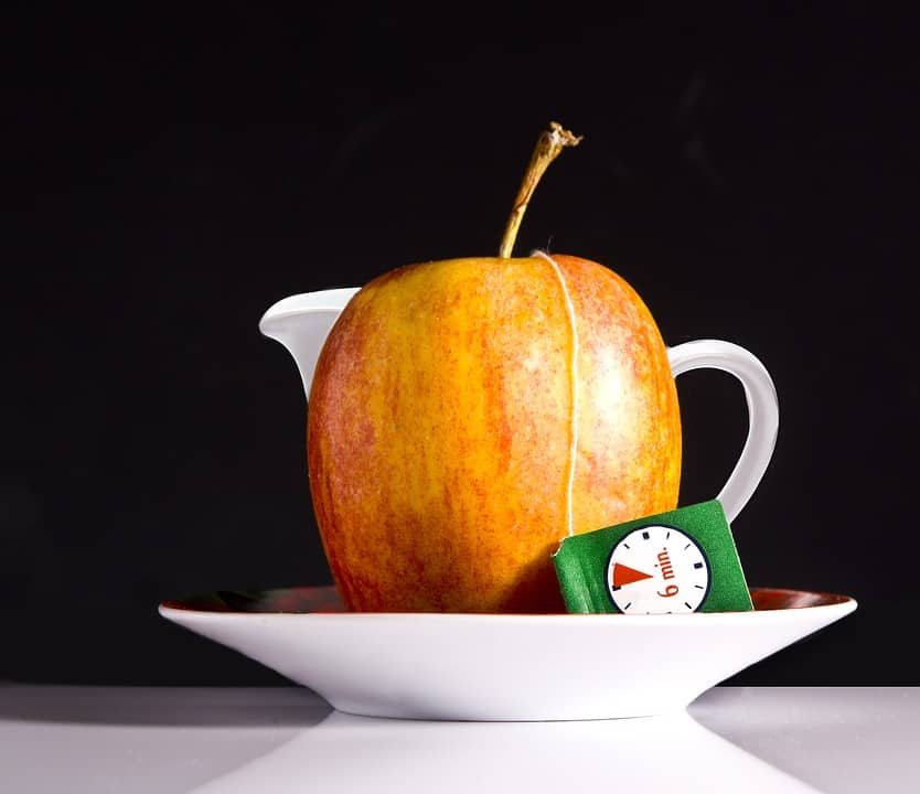Apples, tea and moderation -- the 3 ingredients for a long life