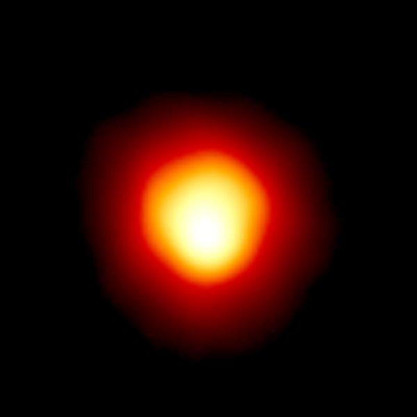 α Ori, Beteigeuze, der hellste Stern im infraroten Licht. https://www.spacetelescope.org/images/opo9604b/ Credit: Andrea Dupree (Harvard-Smithsonian CfA), Ronald Gilliland (STScI), NASA and ESA