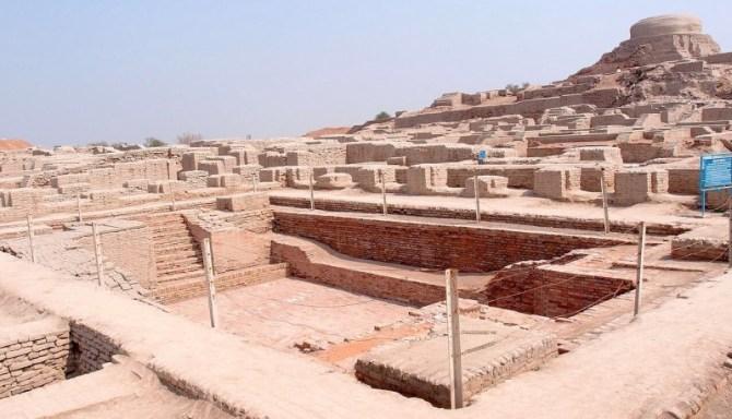 Harappa bathhouse ruins