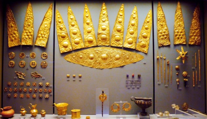 Mycenaean gold jewelry