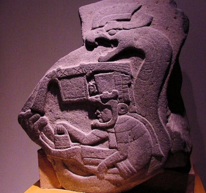 Feathered serpent olmec