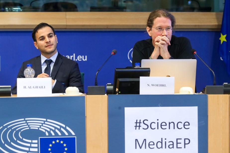 Communicating Science via Social Media