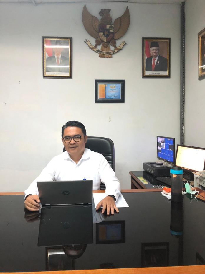 Pemimpin Bank Nagari Tapan, Helfiyanrika.