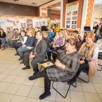 Слушатели в центре помощи Уральского тура Доброй воли, г. Оренбург. Семинар «Как воспитать успешного ребенка»