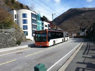 Autobus komunikacji miejskiej, którym podjechałem w stronę kolejki na Ulriken, bilet kosztował mnie ok. 55 koron (ok. 23 zł).