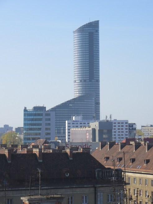 Sky Tower wznosi sie nad miastem na ponad 200 metrów :) Na ostatnich piętrach jest tarasa widokowy, niestety, tym razem nie zdążyłem z niego skorzystać, ale nie omieszkam przy następnej wizycie :)