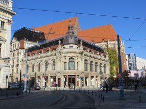 Hotel Monopol, który kilka lat temu przeszedł gruntowny remont i jest dziś jednym z najbardziej luksusowych hoteli w mieście.