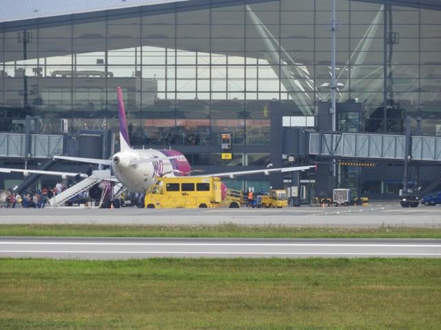 Wizz Air likwiduje bezpłatny większy bagaż podręczny