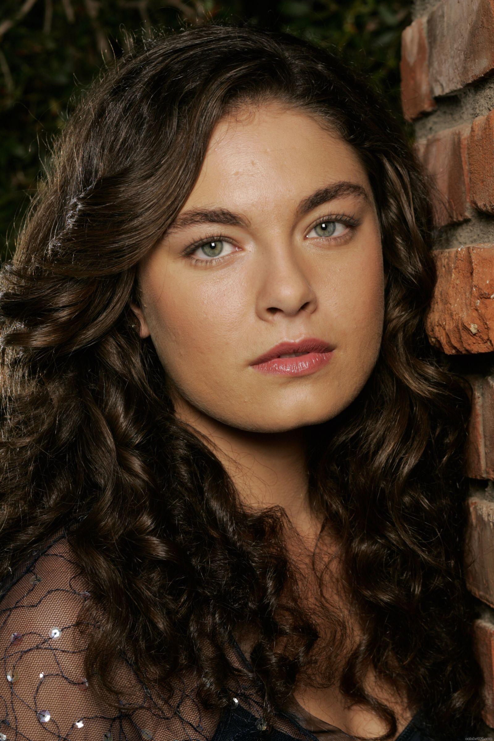 Alexa Davalos The Man In The High Castle