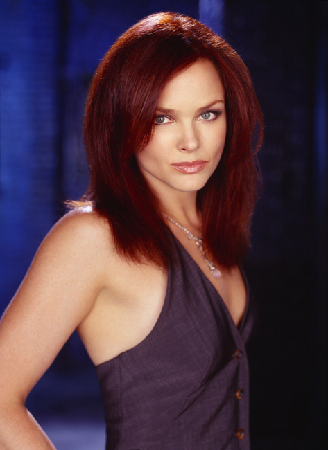 dina-meyer-starship-troopers-star-trek-nemesis