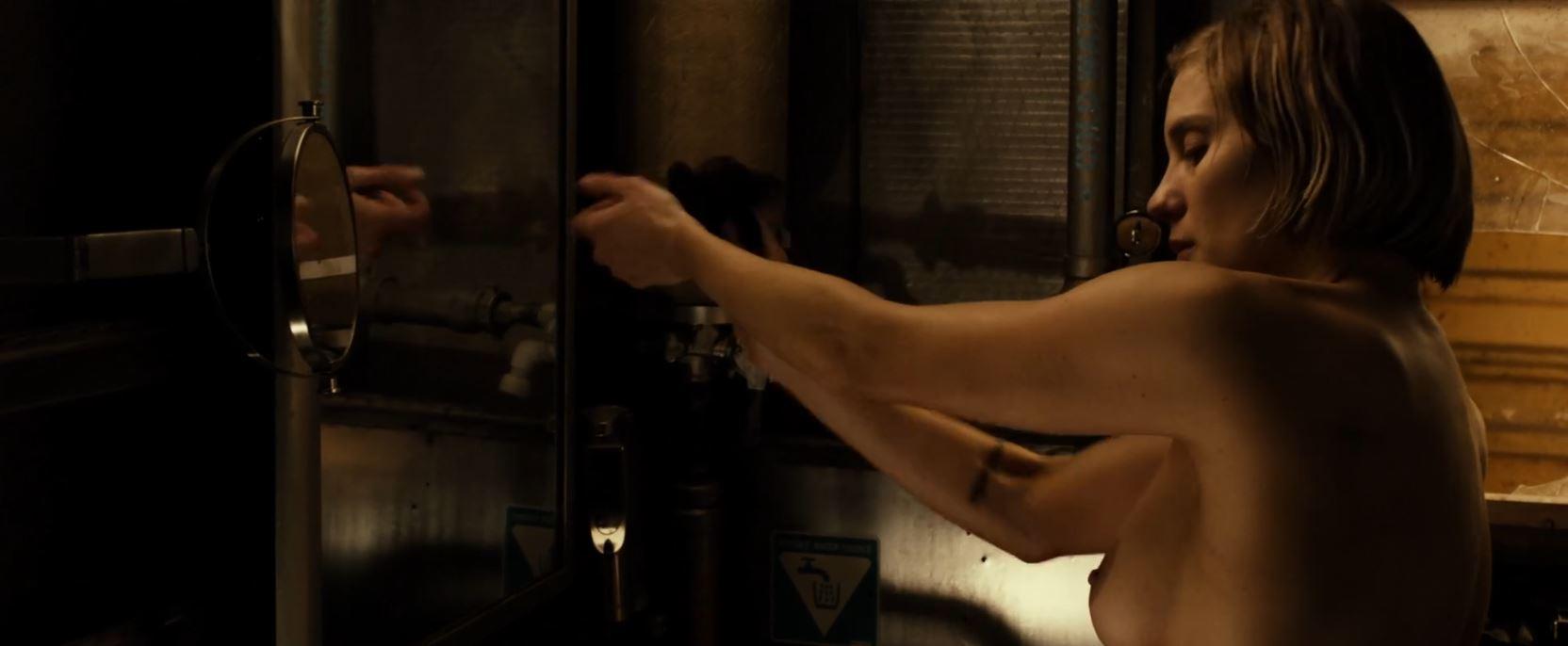 Katee Sackhoff as Dahl topless in Riddick