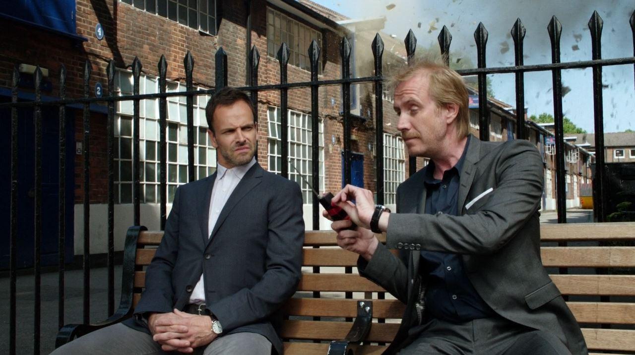 Mycroft (Rhys Ifans) detonates bomb - Elementary