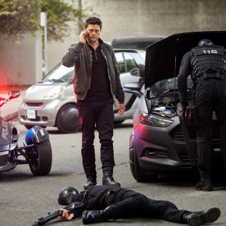 Almost Human - Blood Brothers - Karl Urban as Kennex