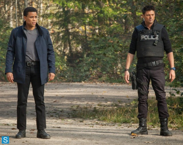 Almost Human - Blood Brothers - Michael Ealy as Dorian and Karl Urban as Kennex