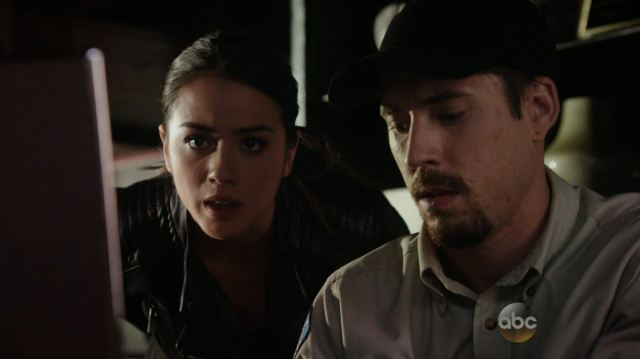 Agents of SHIELD - The Magical Place - Chloe Bennett as Skye hacking