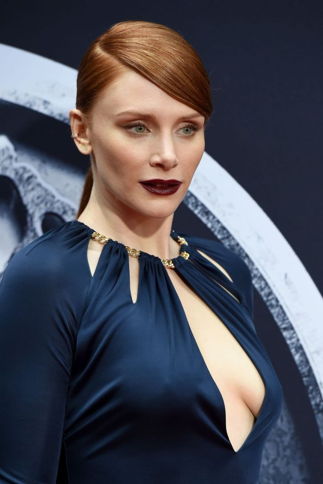 Bryce Dallas Howard cleavage in blue dress - Jurassic World Review Premiere