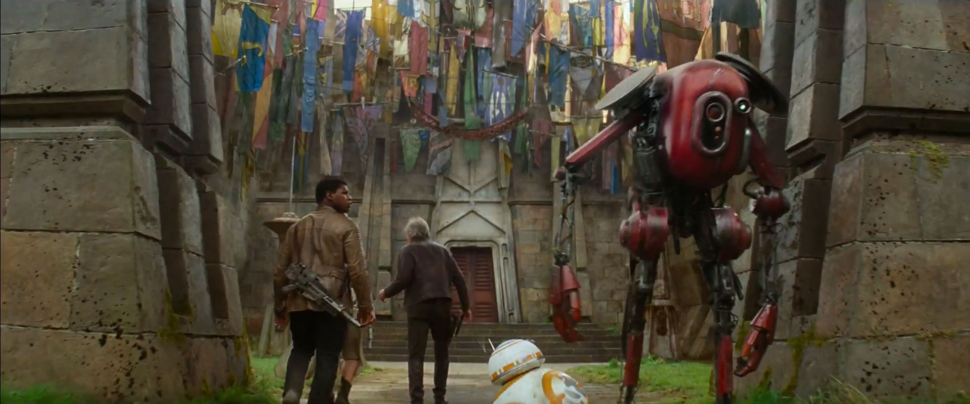 Finn and Han solo visit a temple