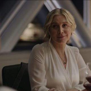 The Expanse S03E02 IFF Review - Elizabeth Mitchell as Rev. Dr. Anna Volovodov