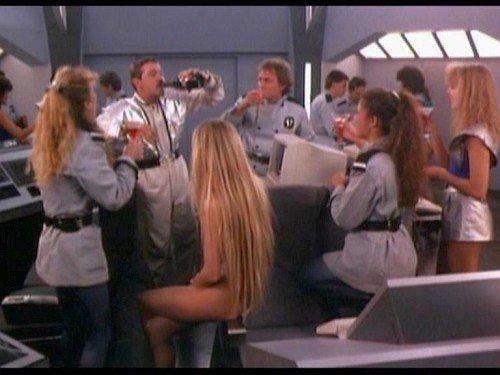Space Mutiny: sinnloses Feiern im All