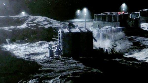 The Ark / Stranded (2013): Die Mondbasis