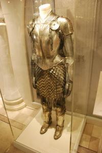 hr_alice_in_wonderland_experience_-_alice_armor