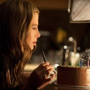 Intruders 101 01 Mira Sorvino Amy