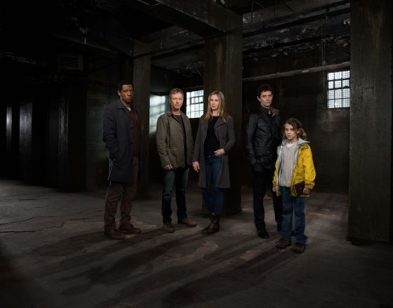Intruders cast