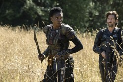 "The 100 -- ""Wanheda: Part Two"" -- Image HU302C_0204 -- Pictured (L-R): Adina Porter as Indra and Henry Ian Cusick as Kane -- Credit: Cate Cameron/The CW -- © 2015 The CW Network, LLC. All Rights Reserved"
