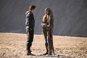 "The 100 -- ""Rubicon"" -- Image: HU212A_0366 -- Pictured (L-R): Richard Harmon as Murphy and Luisa D'Oliveira as Emori -- Photo: Katie Yu/The CW -- © 2015 The CW Network, LLC. All Rights Reserved"