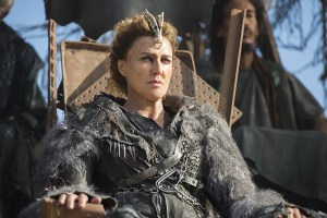 "The 100 -- ""Watch The Thrones"" -- Image HU304a_0014 -- Pictured: Brenda Strong as Nia -- Credit: Cate Cameron/The CW -- © 2016 The CW Network, LLC. All Rights Reserved"